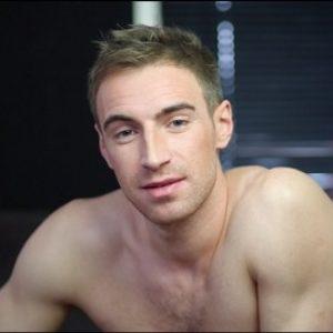 Grande Bretagne : L'acteur X Kayden Gray annonce sa séropositivité